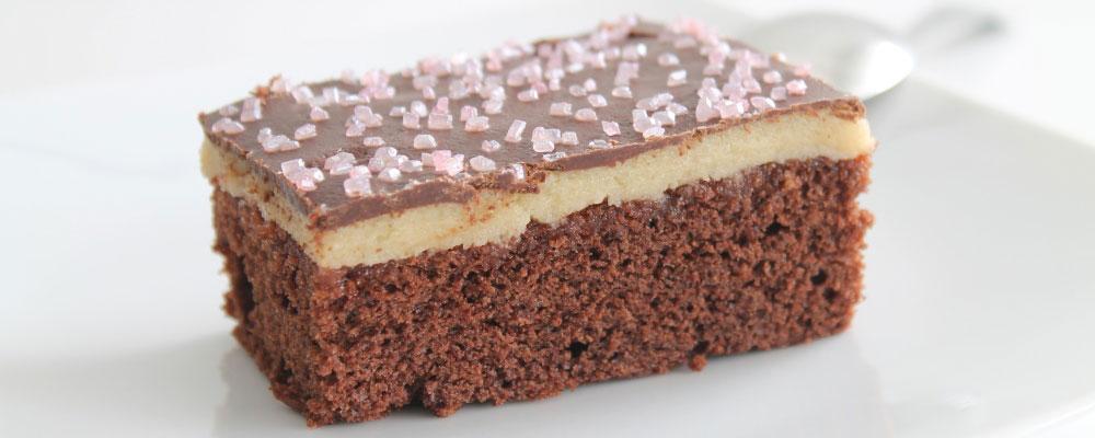 Bizcocho de chocolate y mazapán